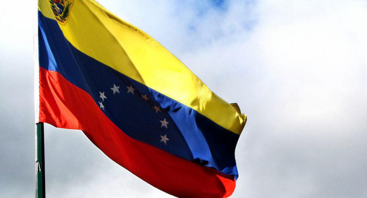 ایران و ونزوئلا بر سر مبادله ۶ ماهه نفت توافق کردند