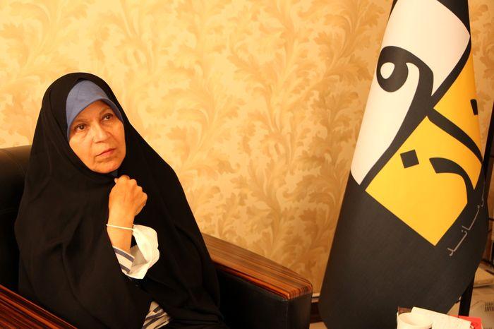 فائزه هاشمی: اگر پدرم زنده بود از همتی حمایت میکرد
