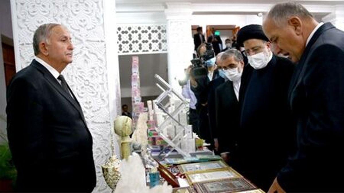 رییس جمهوری تجهیزات نانوفناوری ساخت ایران را به دانشگاه ملی تاجیکستان اهدا کرد