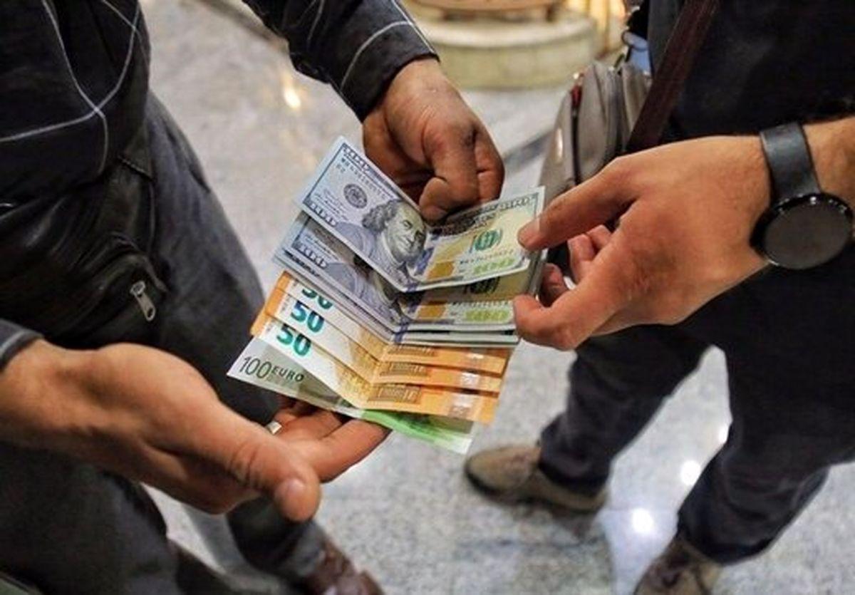درخشش طلایی سکه و دلار در مردادماه داغ